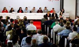 Las federaciones del PSOE críticas con la Gestora pedirán el sábado que el Congreso sea antes pero asumen que perderán