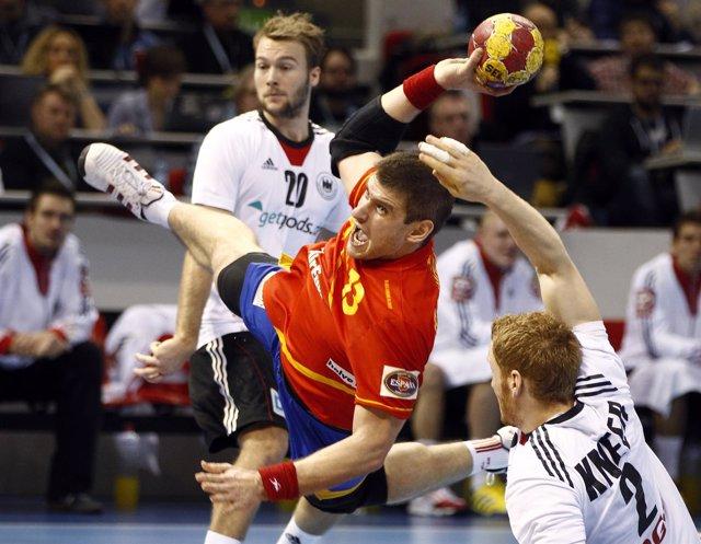 Julen Aguinagalde ante Alemania en el Mundial de Balonmano