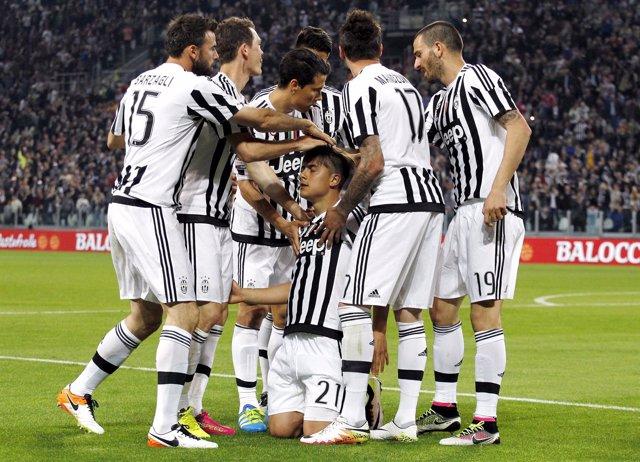 Dybala celebra el gol de la Juventus