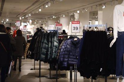 El 84% de los consumidores detecta descuentos falsos en las rebajas, según Facua