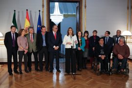 Susana Díaz espera dar cobertura a 230.000 dependientes y que el Gobierno aporte el 50%