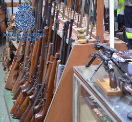 Cinco detenidos, uno en Liendo, por venta de armas de guerra