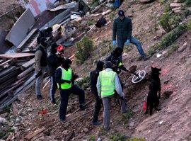 La Guardia Civil desentierra un zulo con un subfusil y tres armas blancas vinculado a los dos yihadistas de Ceuta