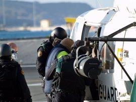 La Guardia Civil traslada en helicóptero a los dos yihadistas de Ceuta tras concluir los registros