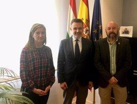 Escobar recibe a Víctor López, nuevo delegado de la Asociación Víctimas del Terrorismo en La Rioja