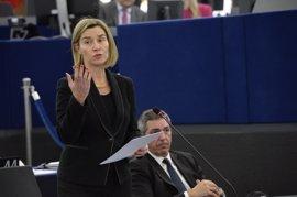 """La UE seguirá peleando para que el acuerdo nuclear iraní se """"respete"""""""