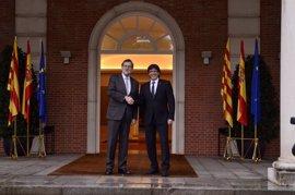 """Puigdemont pide por carta a Rajoy un trato """"bilateral"""" y negociar el referéndum"""