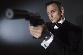 James Bond ya no fuma pero el tabaco aún le puede matar