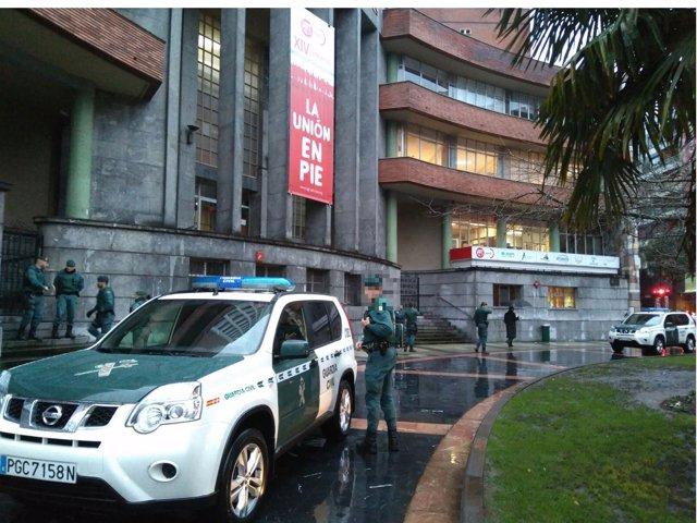 Guardia Civil en sede de UGT