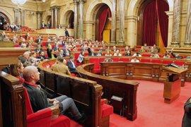 El PSC y SíQueEsPot piden subir el IRPF a las rentas altas más de lo que propone la CUP