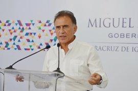 El gobernador de Veracruz señala que durante el mandato de Duarte se aplicaron quimioterapias falsas a niños con cáncer