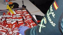 Sucesos.- La Guardia Civil interviene más de 500 cajetillas de tabaco a un pasajero en el aeropuerto