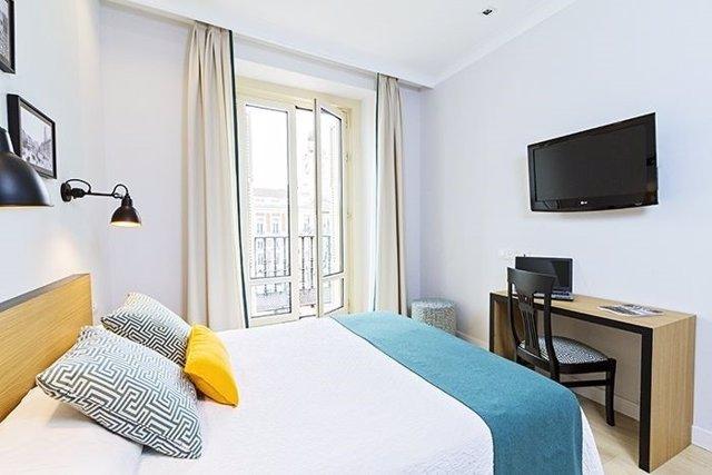 El 47 de los hoteles de madrid son de 4 estrellas cae el n mero de hostales y crecen las - Hostales en madrid puerta del sol ...