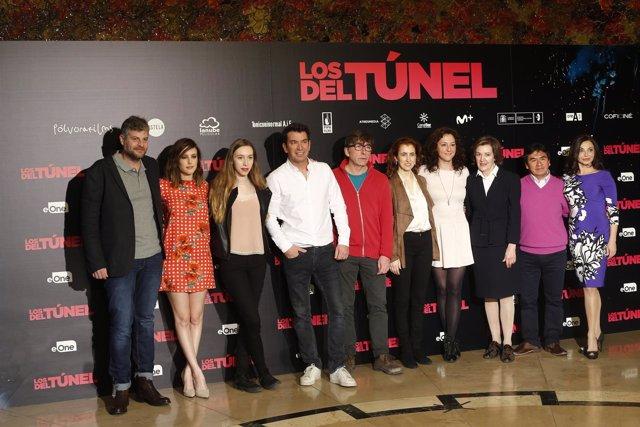 Photocall con el equipo de la película Los del túnel de Arturo Valls