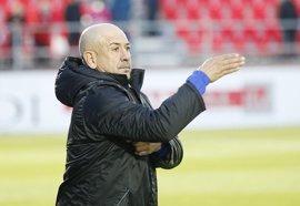 Claudio Barragán, destituido como entrenador del Mirandés tras 42 días en el cargo