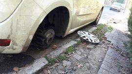 Sucesos.- Un policía local fuera de servicio evita que cuatro jóvenes roben en una furgoneta en Sevilla