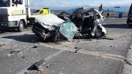 Dos muertos y dos heridos en una colisión múltiple en Arcos (Cádiz)