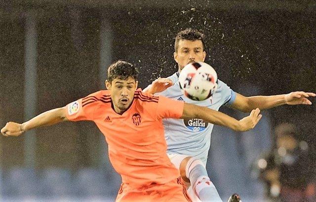 Vinicius Araujo, Jugador Del Valencia
