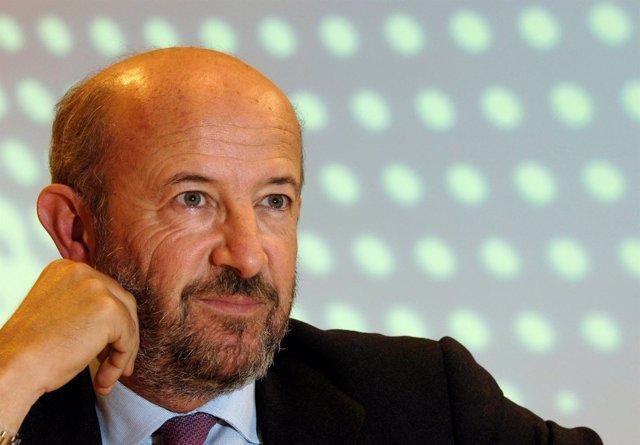 Emilio Saracho, Banco Popular