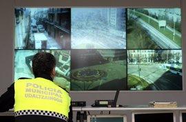 La Policía Municipal de Pamplona realiza una campaña especial de control de pasos de peatones
