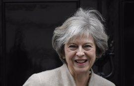 """May admite que Reino Unido se enfrenta a un """"cambio trascendental"""" por el Brexit"""