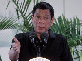 """Duterte carga contra la Iglesia católica y le pide que diga a los drogadictos que """"van a morir"""""""