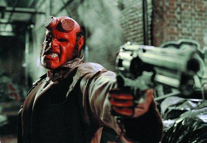 Guillermo del Toro pone en marcha Hellboy 3 tras recibir el apoyo de los fans en Twitter