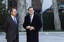Rajoy expresa sus condolencias por las víctimas del terremoto y el alud y ofrece ayuda