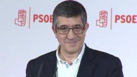 """Patxi López dice que inicia un """"viaje"""" para """"unir al conjunto del PSOE y después al conjunto de la sociedad española"""""""