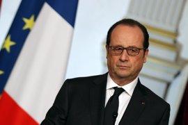 La agenda oficial de Hollande en Colombia incluye una entrevista con un dirigente de las FARC