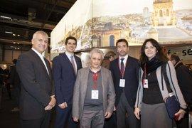 Sevilla acuerda con Nápoles y Turín acciones de promoción turística