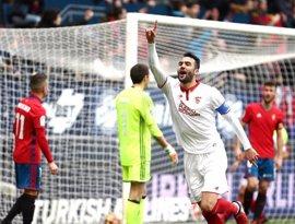 El Sevilla remonta en El Sadar y continúa presionando al Madrid