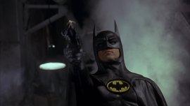 Michael Keaton se comporta como Batman en el set de Spiderman: Homecoming
