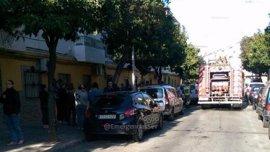 Tres afectados por inhalación de humo en incendio de una cocina en San Jerónimo (Sevilla)
