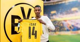 El Borussia Dortmund contrata al joven delantero sueco Alexander Isak