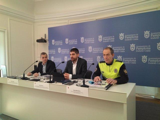 Xabier Ibáñez, Aritz Romeo y Jesús Munárriz en la rueda de prensa