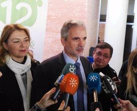 La Junta anuncia un grupo de trabajo sobre sanidad en Málaga y no descarta el tercer hospital
