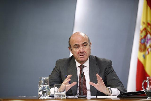 Luis de Guindos tras el consejo de Ministros