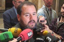 En Comú pregunta al Gobierno si pagó para tapar una supuesta relación de Juan Carlos I
