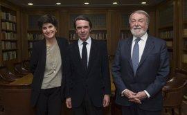 """Aznar anima a impulsar """"una reanimación del mapa electoral"""" en España que se aleje """"del amiguismo insustancial"""""""