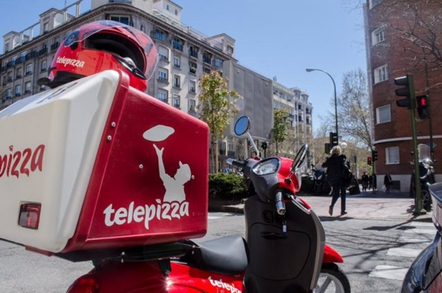 Motero, repartidor de pizza, Telepizza