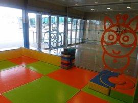 El aeropuerto Seve Ballesteros estrena zona de juegos y aseos