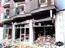 Extinguido el incendio declarado en un bazar chino de Sotrondio