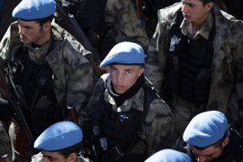 Cientos de policías entrenados por Turquía comienzan a operar en el norte de Siria