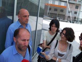 Democracia Ourensana presenta ante notario una moción de censura contra el alcalde
