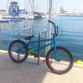 Sucesos.- Detenido un hombre por intimidar a otro para recuperar la bici que le habían robado