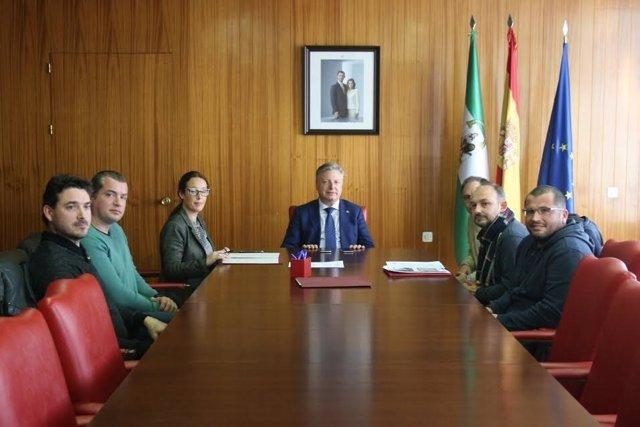 Primo Jurado (Centro) Con El Colectivo Para La Defensa De La Igualdad Efectiva