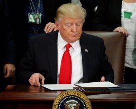 """Trump firma la construcción del muro con México: """"Una nación sin fronteras no es una nación"""""""