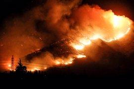 Muere un bombero en las labores de extinción de los incendios de Chile