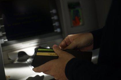 El 20% de los que tienen una cuenta bancaria la contrató online, según Rastreator